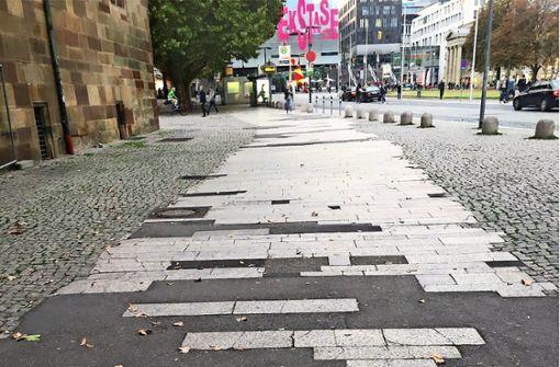 Bürger ärgern sich über Flickenteppich vor Schloss