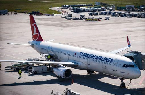 Am Stuttgarter Flughafen heben  wieder Flugzeuge ab