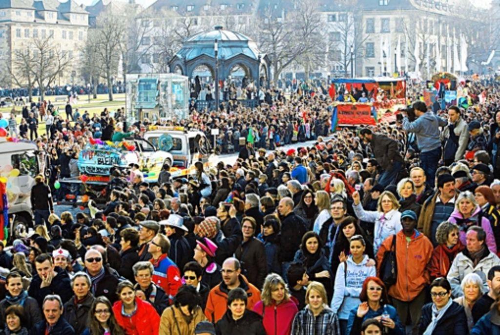 Gaudi, Witz und gute Laune beherrschen am Dienstag wieder die Stuttgarter Straßenzüge. Zigtausende Zuschauer werden erwartet. Foto: Achim Zweygarth