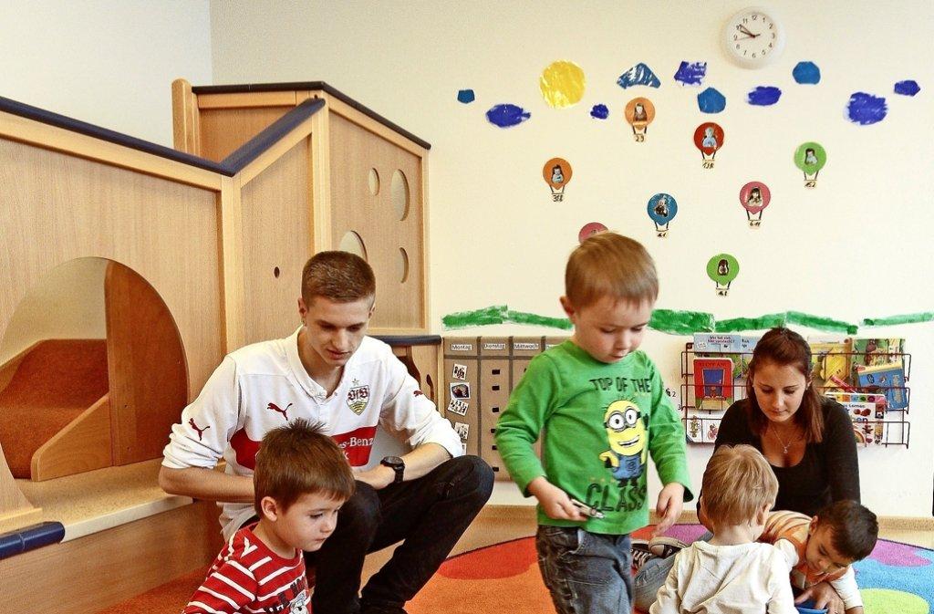 Auch im Kinderhaus in der Eberdinger Straße werden die Mädchen und Jungen früh gefördert – nicht selten nebenbei in der Spielzeit. Foto: factum/Bach