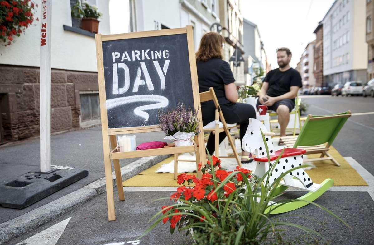 Sitzen statt parken – am Freitag ist Parking Day in Stuttgart. Foto: Lichtgut/Julian Rettig