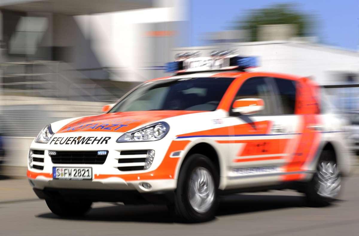 Die Radfahrerin musste in ein Krankenhaus eingeliefert werden. (Symbolbild) Foto: picture-alliance/ dpa/Marijan Murat