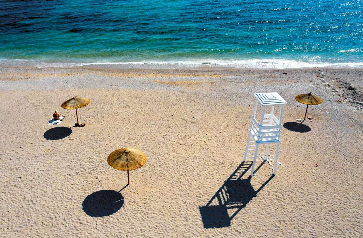 In Griechenland sind die Corona-Beschränkungen wieder verschärft worden. (Symbolbild) Foto: dpa/Lefteris Partsalis