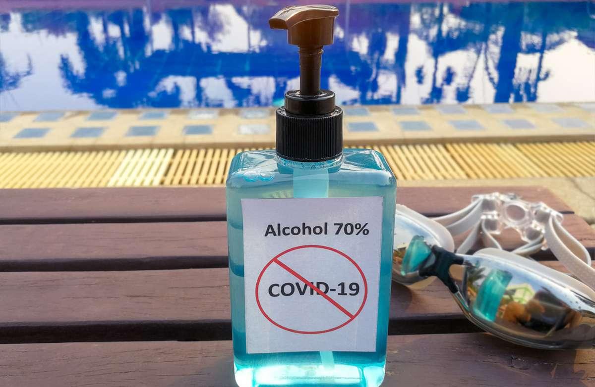 Diese Regeln gelten im Schwimmbad. Foto: arrowsmith2 / shutterstock.com