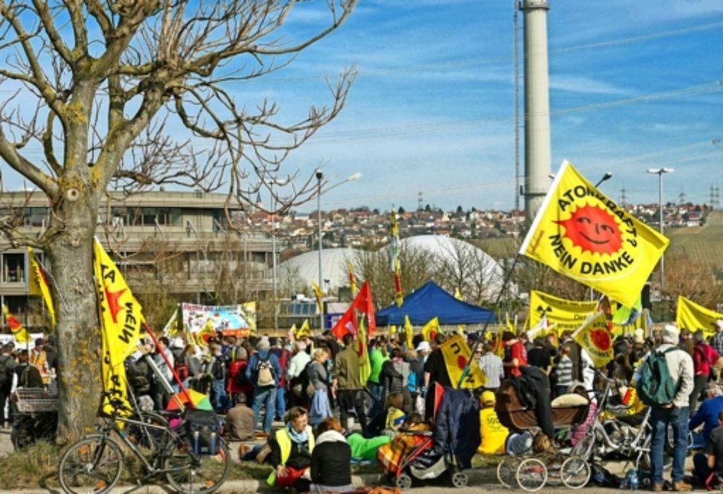 Der Anti-Akw-Protest in Neckarwestheim setzt sich jetzt bei der Erörterung zum Abriss von Block I fort. Foto: factum/Weise