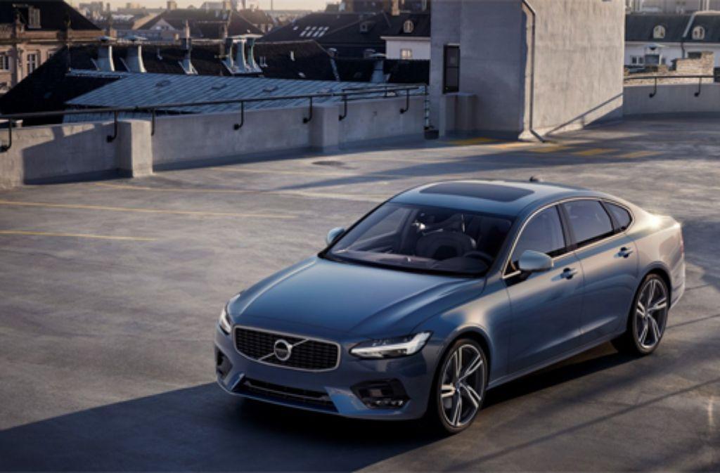 Mit fünf Metern Länge eine stattliche Erscheinung und markant gezeichnet – der Volvo S90. Foto: Hersteller