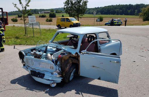 Trabbi-Fahrer wird schwer verletzt