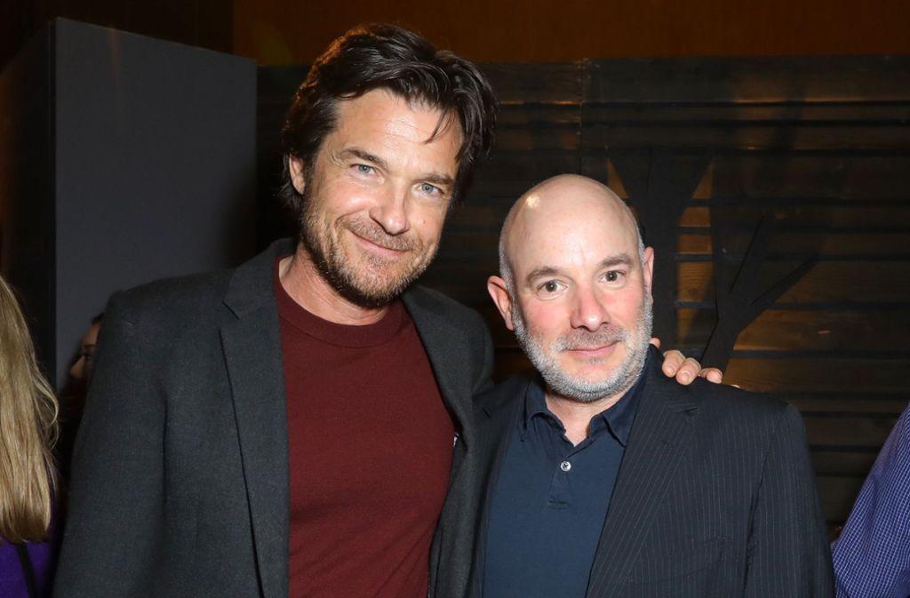 """Die beiden """"The Outsider""""-Regisseure Jason Bateman (l.) und Andrew Bernstein genießen die After-Party der Serien-Premiere. Foto: AFP/JC Olivera"""