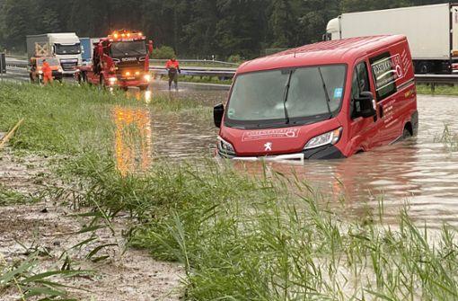 Hochwasser nach starken Regenfällen – A8 gesperrt
