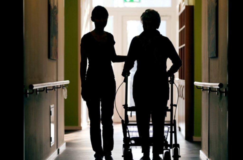 Immer mehr Menschen brauchen Betreuung, die kann aber verschieden aussehen. Foto: dpa