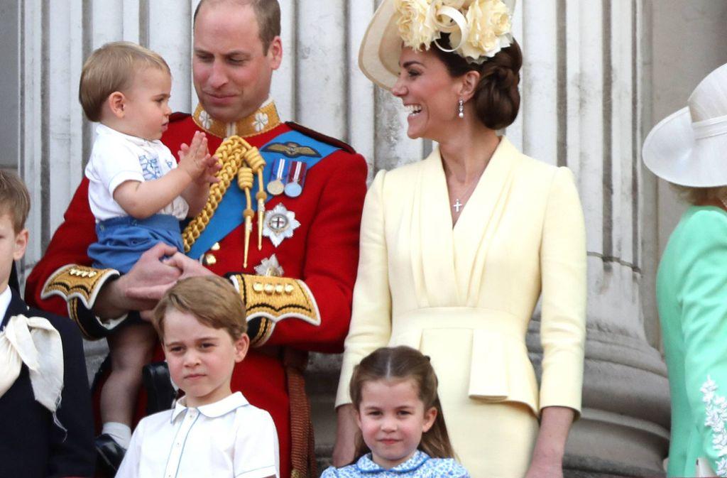 Die Cambridges: Prinz William und Herzogin Kate mit ihren Kindern George, Charlotte und Louis. Foto: imago images / Paul Marriott