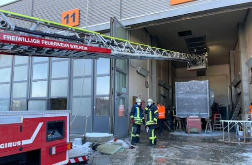 Abzugsanlage einer Firma geht in Flammen auf