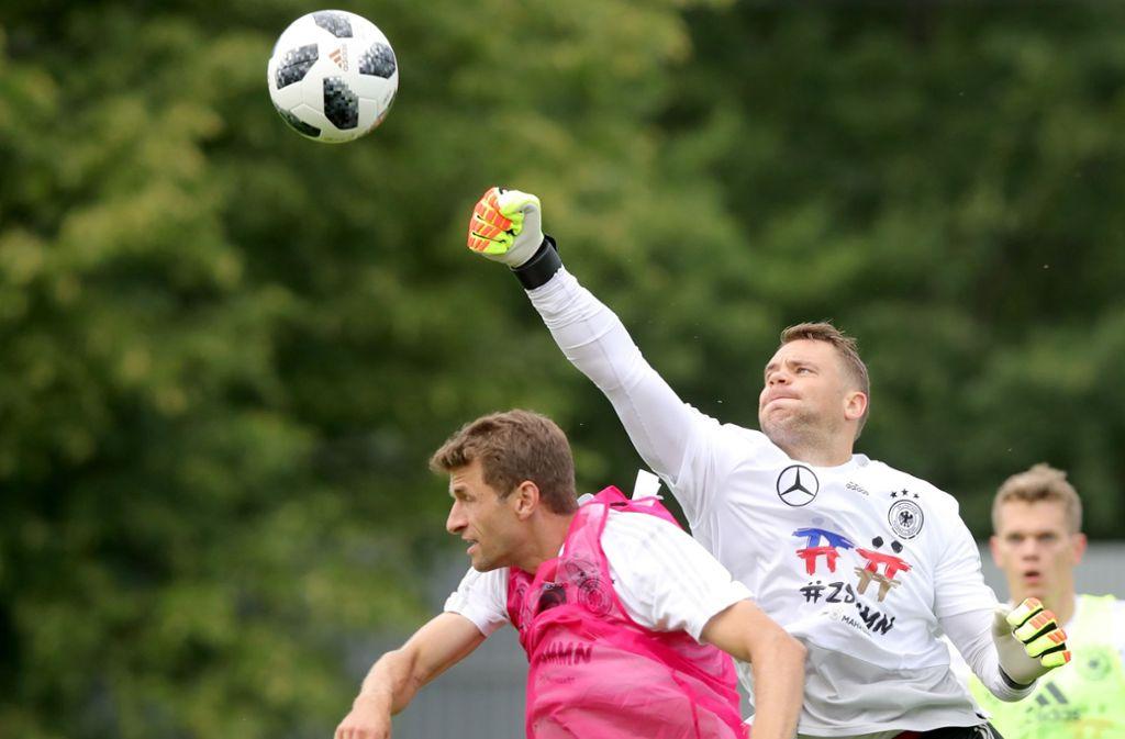 Kompromisslos wie eh und je: Laut Bundestrainer Joachim Löw ist Torhüter Manuel Neuer wieder in starker Form. Foto: Getty Images Europe