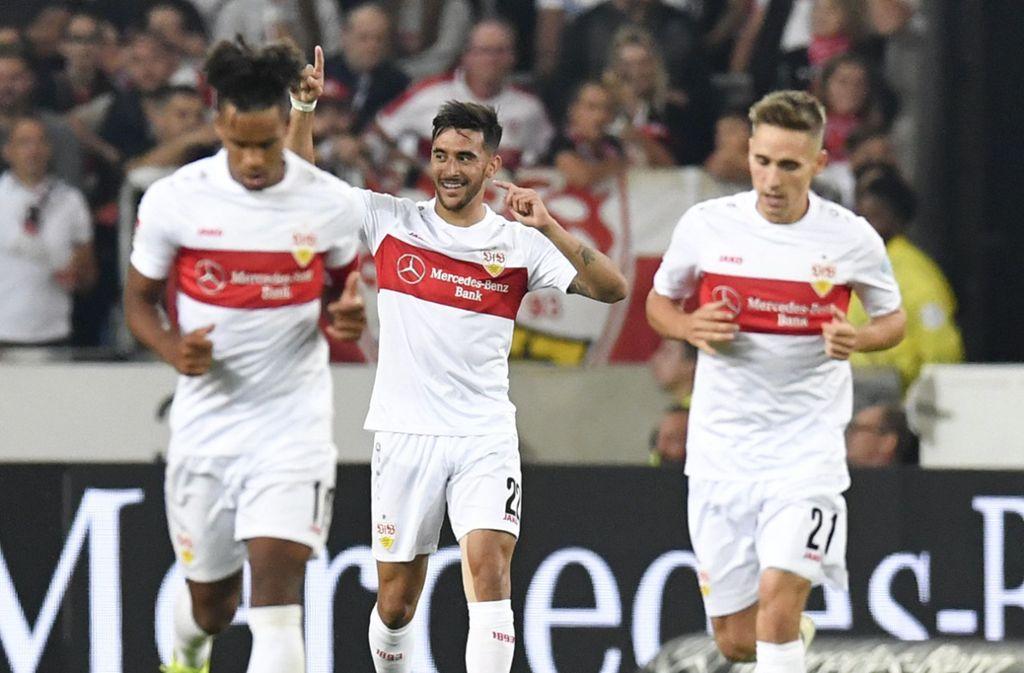 Es läuft: Der VfB um Nicolas Gonzalez (Mitte) hat einen guten Saisonstart hingelegt. Foto: dpa