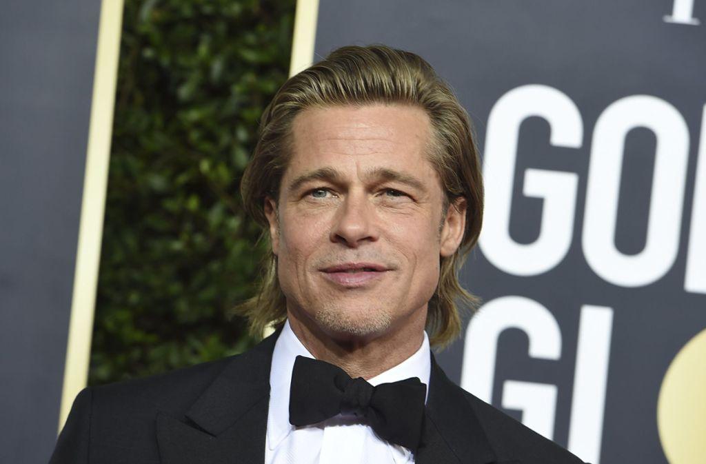 Grund zur Freude hatte Brad Pitt bei den Golden Globes: er gewann eine  Trophäe als bester Nebendarsteller. Privat läuft es nicht so gut für den Star. Foto: AP/Jordan Strauss