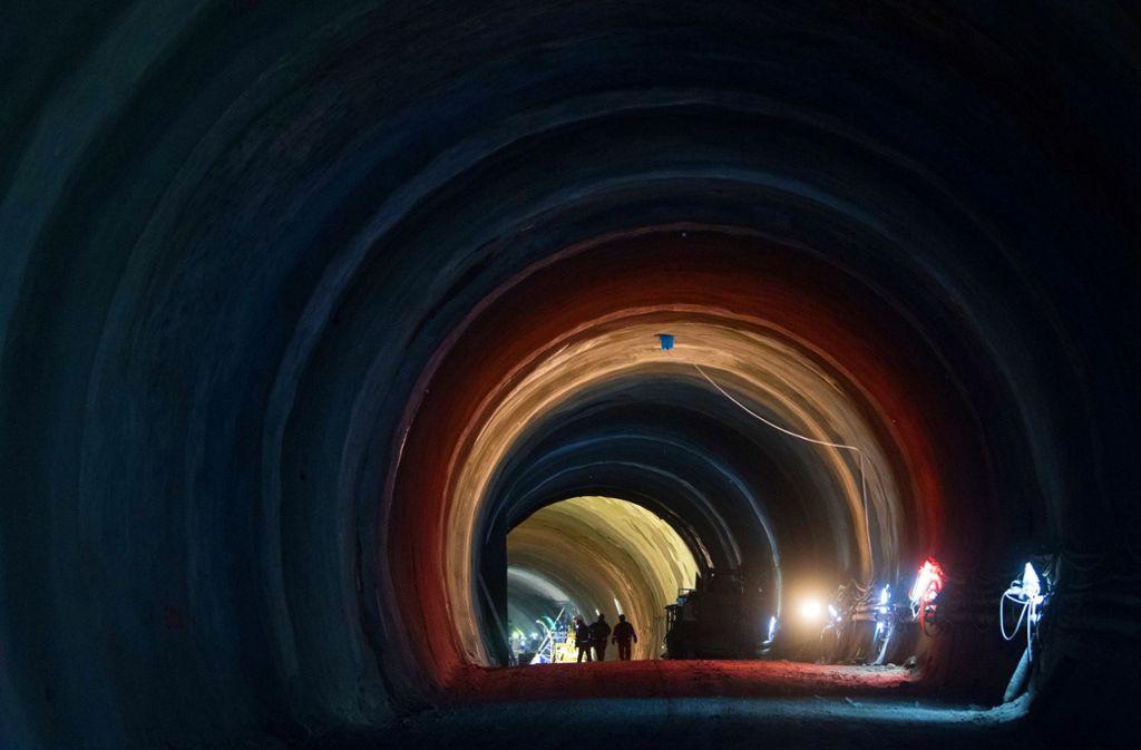 Für die Bewehrung mit Betonstahl sind in den Stuttgart-21-Tunnels vor allem türkische Werkvertragsarbeiter zuständig, die bis zu neun Monate im Jahr in Deutschland arbeiten dürfen. Foto: dpa/Marijan Murat