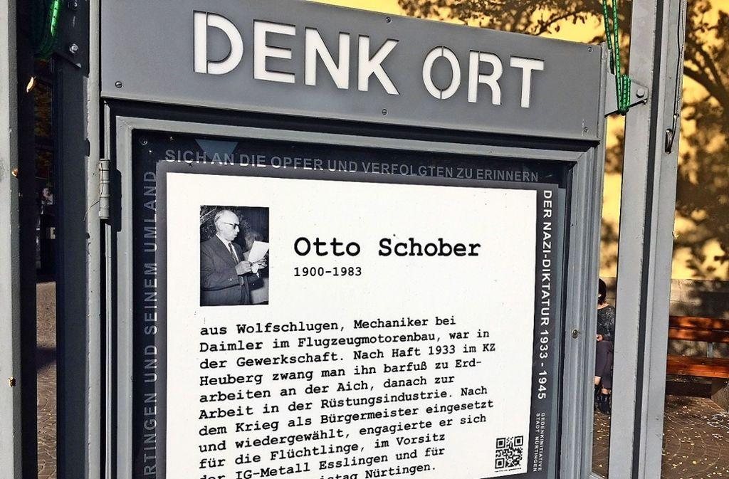 An der Kreuzkirche erinnert die Gedenkinitiative an Otto Schober. Foto: Kulturamt Nürtingen