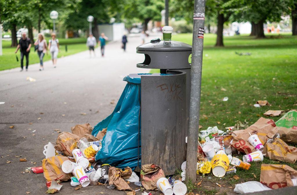 In Stuttgart soll am Samstag gemeinsam Müll gesammelt werden (Symbolbild). Foto: Lichtgut/Max Kovalenko