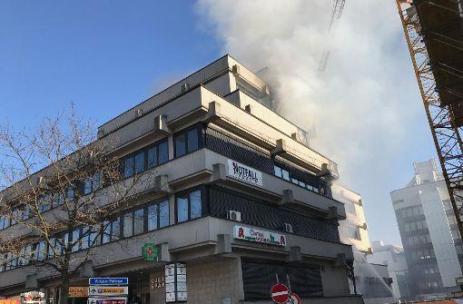 Notfallpraxis wegen Großbrand evakuiert