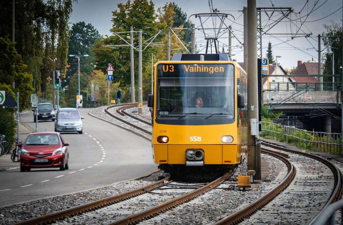 Hunderte Züge der SSB fahren täglich auch  durch Wohngebiete. Foto: Achim Zweygarth