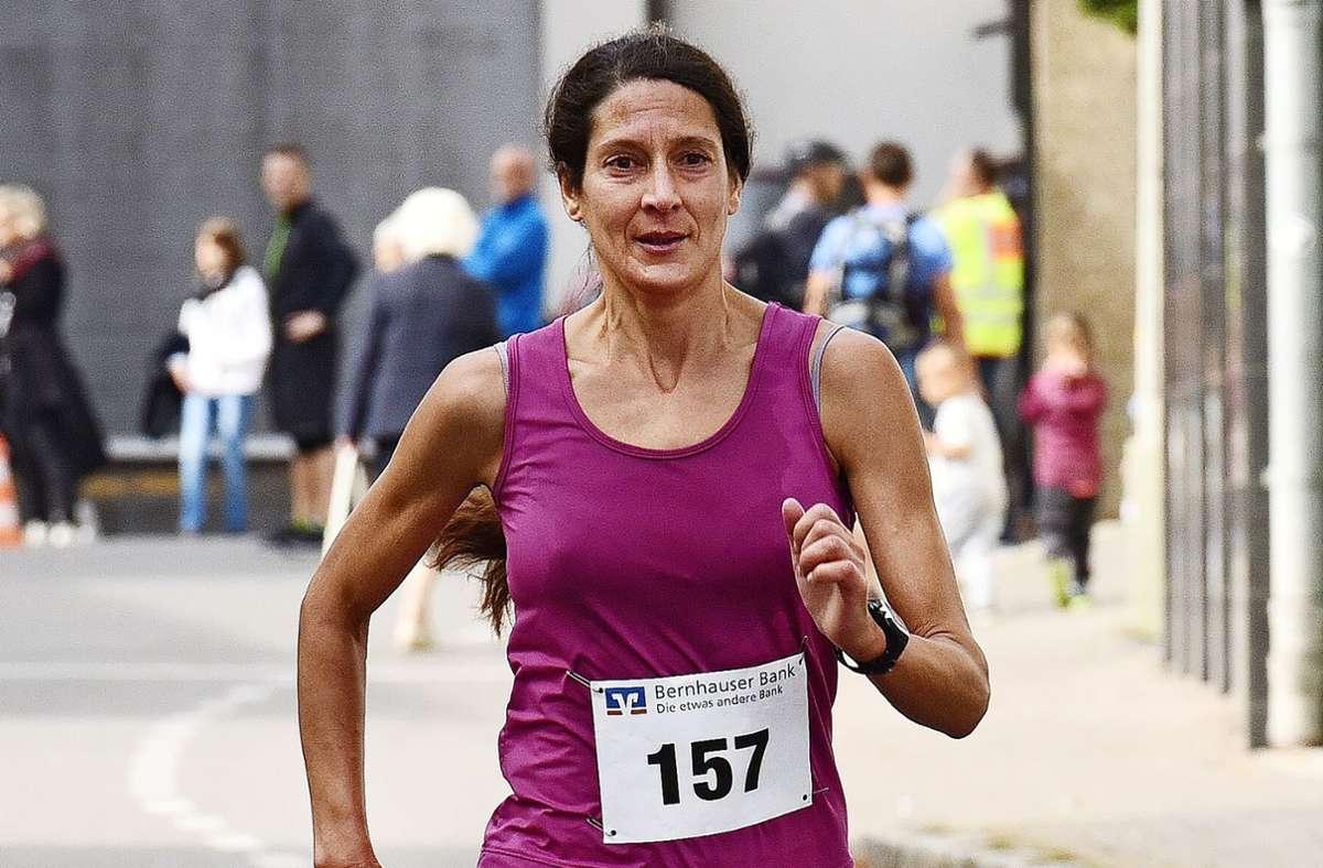 Katrin Ochs  lief in ihrer Altersklasse  überlegen auf den ersten Platz. Foto: Archiv Günter  Bergmann