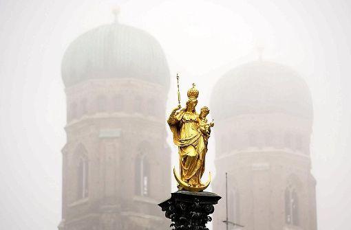 Bayerns Schutzherrin ist schwer beschäftigt