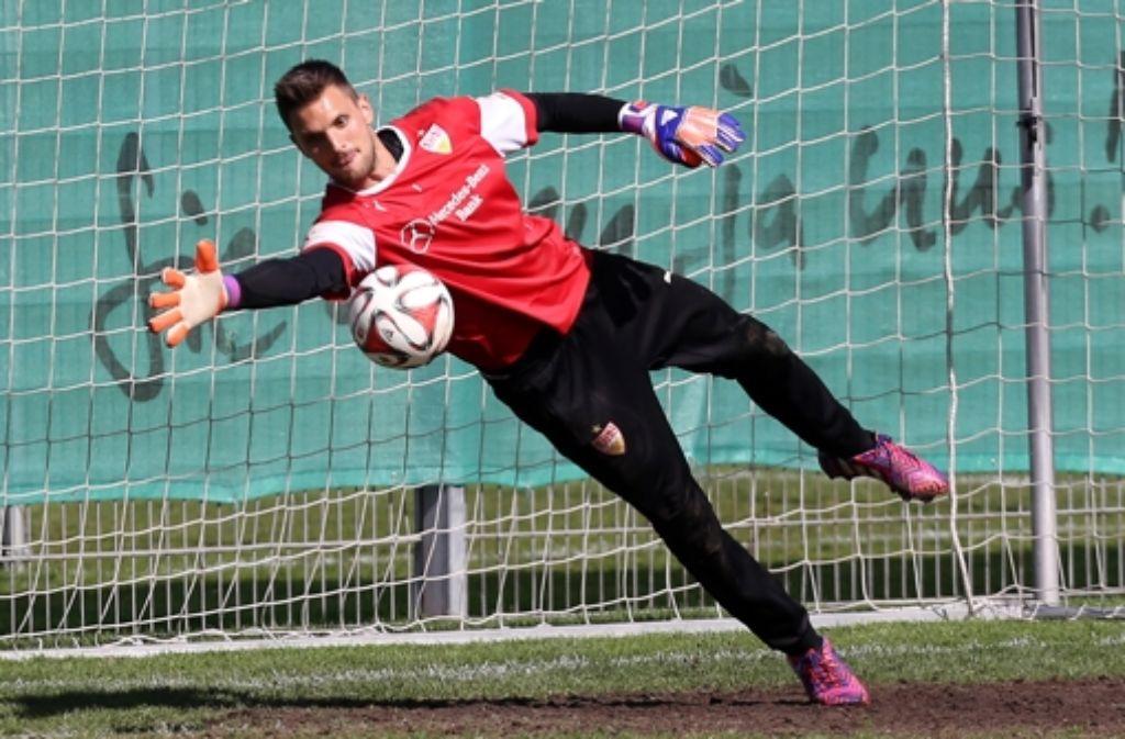 Sven Ulreich kann beim Training die Bälle halten. Foto:
