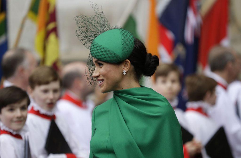 Grün ist nicht nur die Hoffnung, sondern auch das Kleid einer selbstbewussten Frau namens Meghan Markle. Foto: AP/Kirsty Wigglesworth