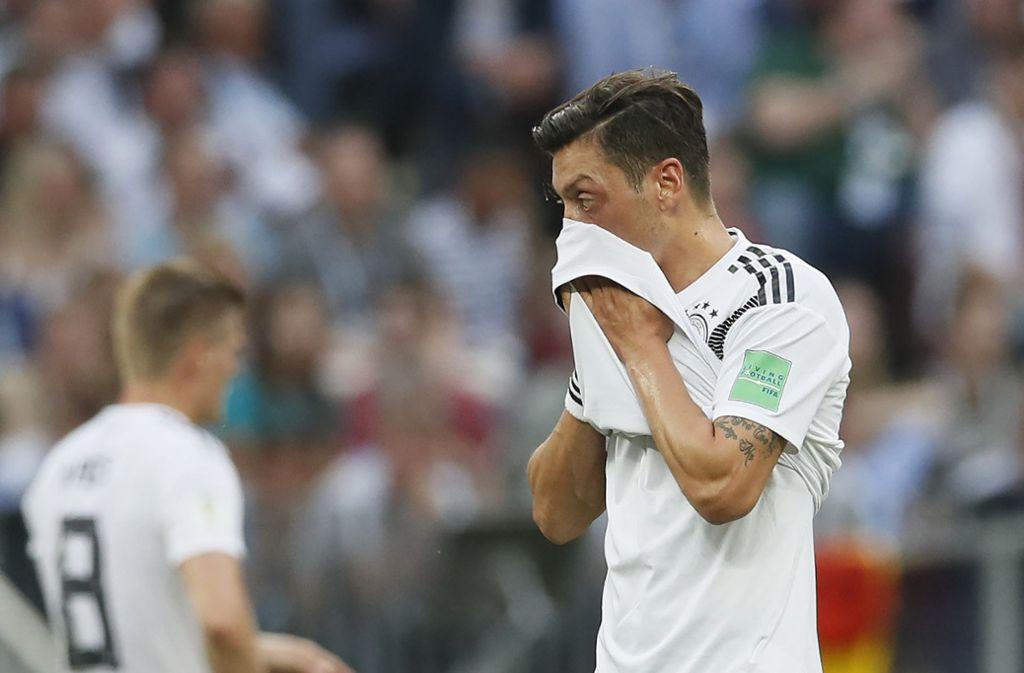 Mesut Özil und die deutsche Nationalmannschaft verlieren bei der WM mit 0:1 gegen Mexiko. Foto: CSM via ZUMA Wire