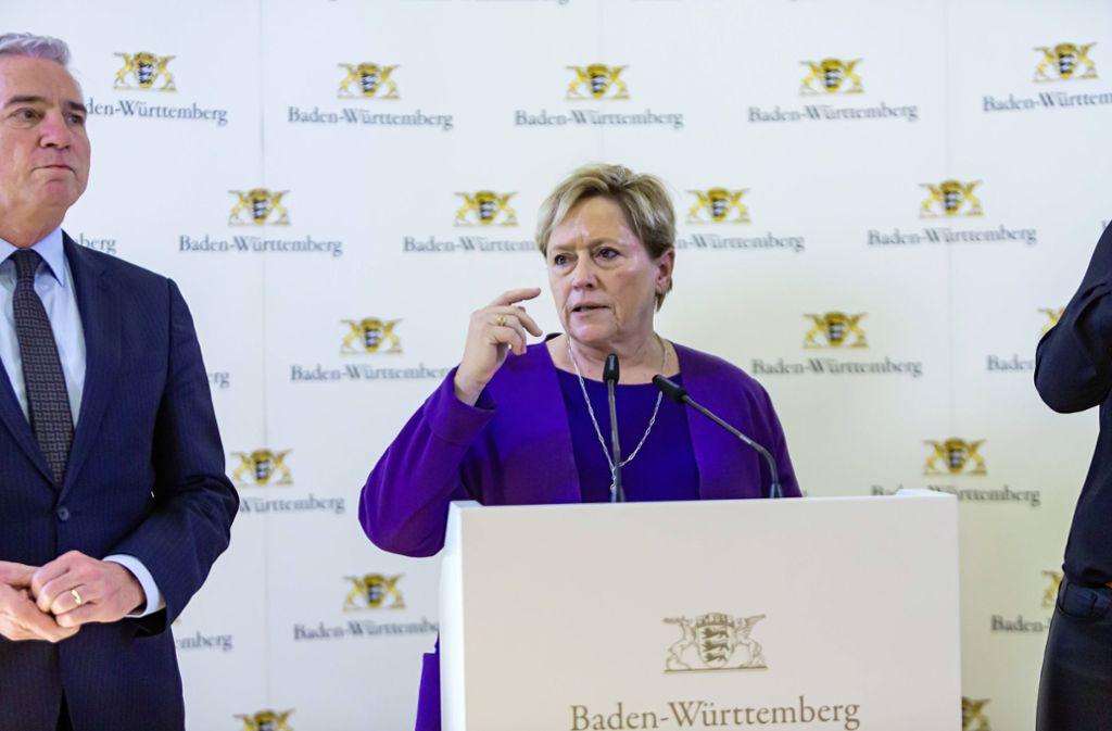 Kultusministerin Susanne Eisenmann rechnet mit langfristigen Folgen für die Schulen. Foto: imago images/Arnulf Hettrich