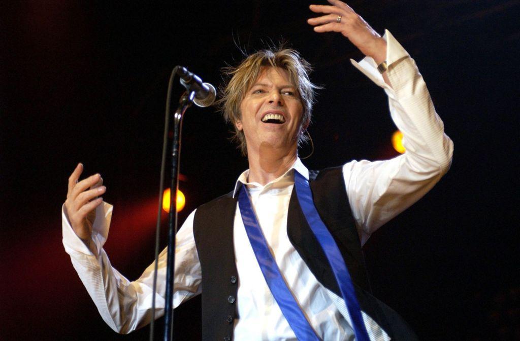David Bowie hat Klassiker des Pop geschaffen – aber auch seine allerersten Mikrofonversuche sind den Sammlern viel wert. Foto: dpa