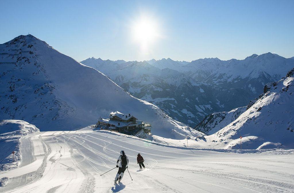 Hotel & Chalet Wedelhütte auf 2.500 Meter – wohnen und genießen auf 5-Sterne-Niveau Kristallhütte!  Foto: Zillertaltourismus/Thomas Straub