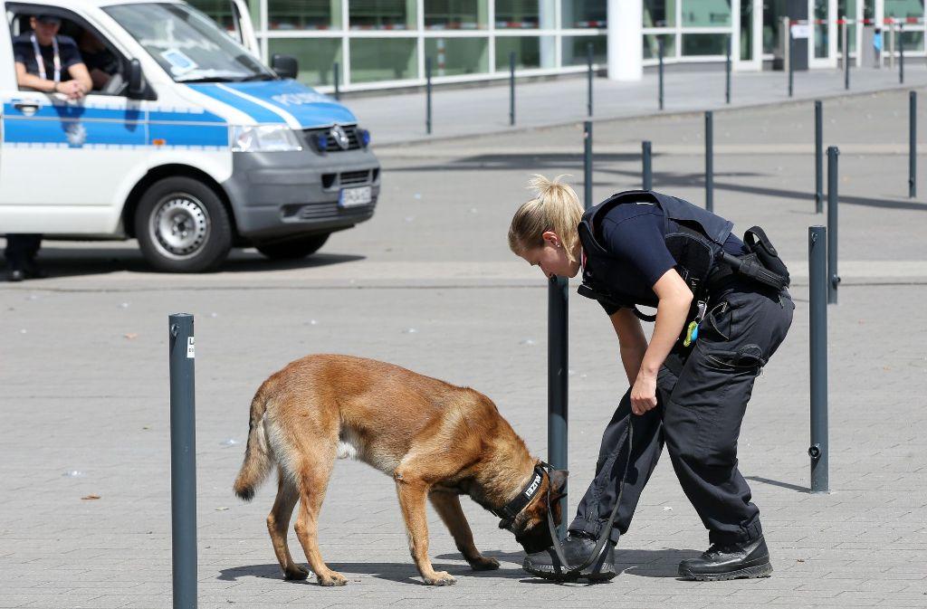 Ein pfiffiger Polizeihund trickste einen 94-Jährigen aus. Foto: dpa