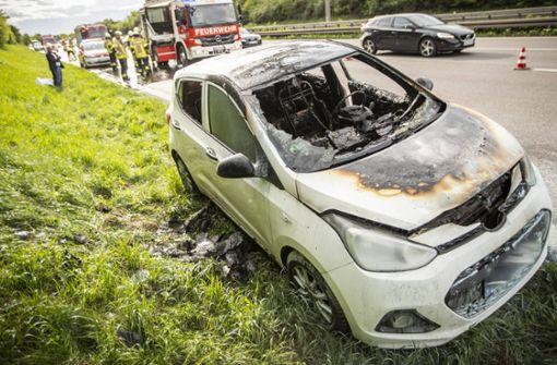 Auto fängt Feuer – 71-Jähriger kann sich retten