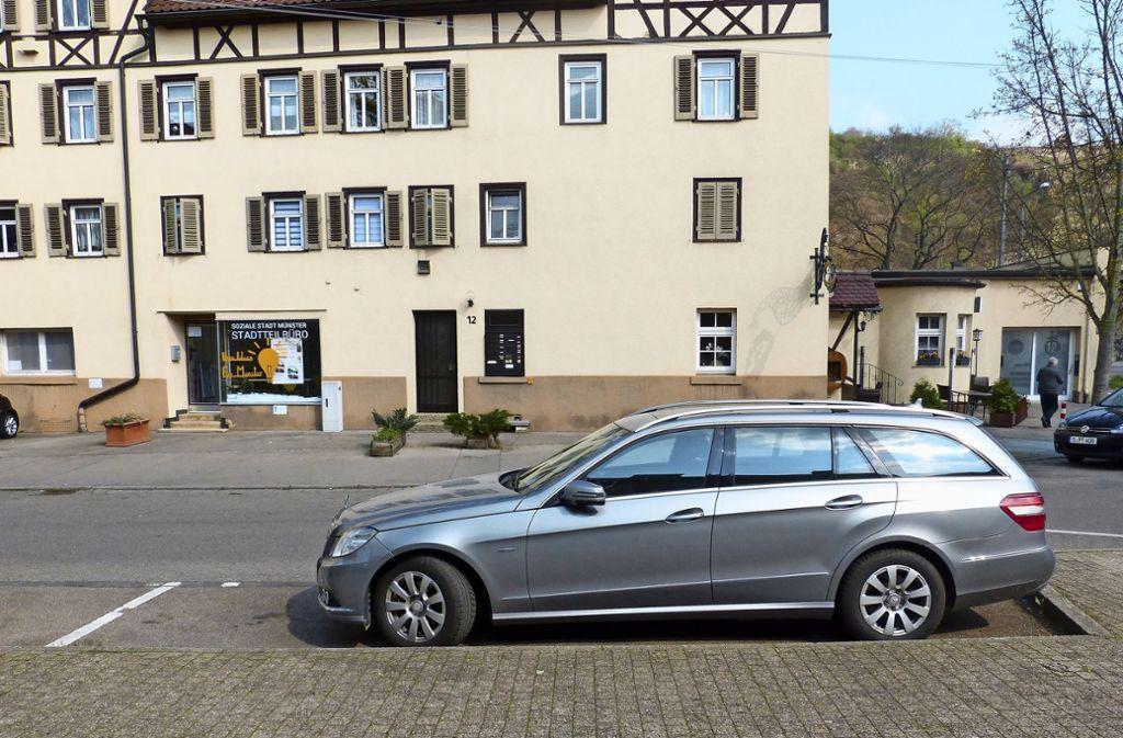 Auf diesem Parkplatz in der Austraße soll das Parklet entstehen. Foto: Sebastian Gall