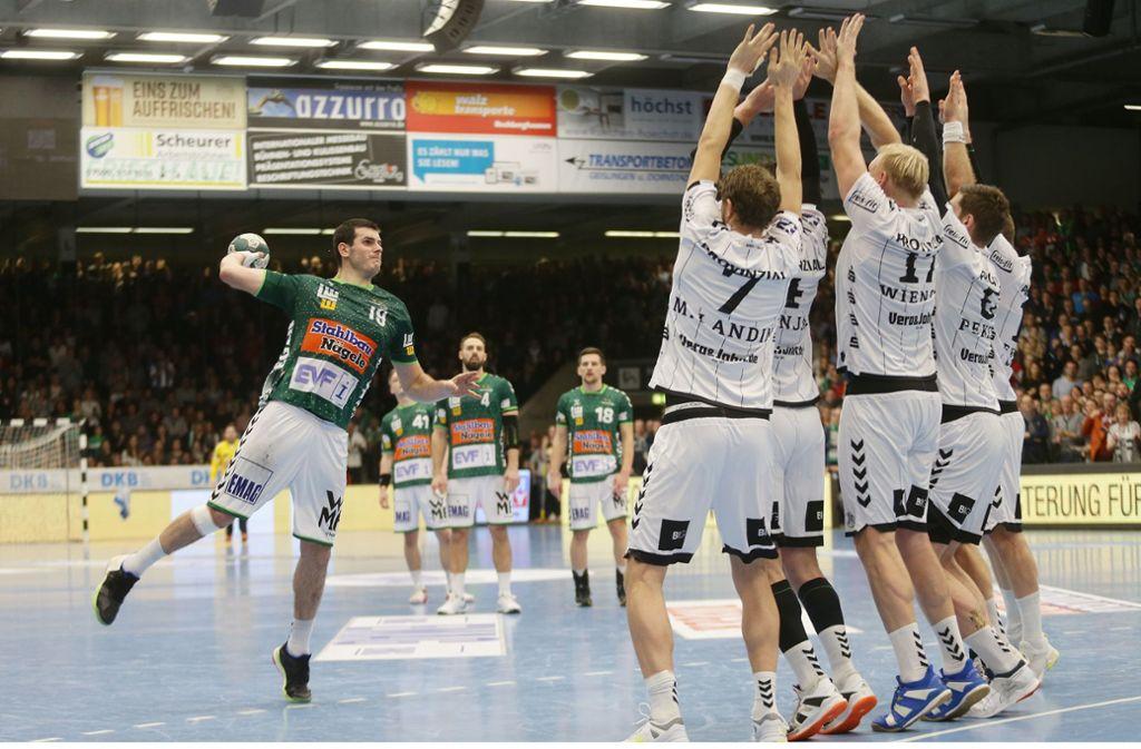 Die letzte Aktion des Spiels:  Göppingens Ivan Sliskovic scheitert an der Kieler Mauer. Foto: Baumann