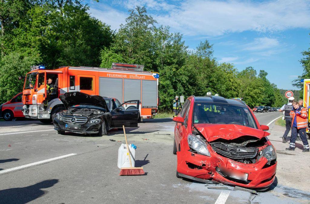 Schwerer Unfall auf der Magstadter Straße in Stuttgart. Foto: 7aktuell.de/Nils Reeh