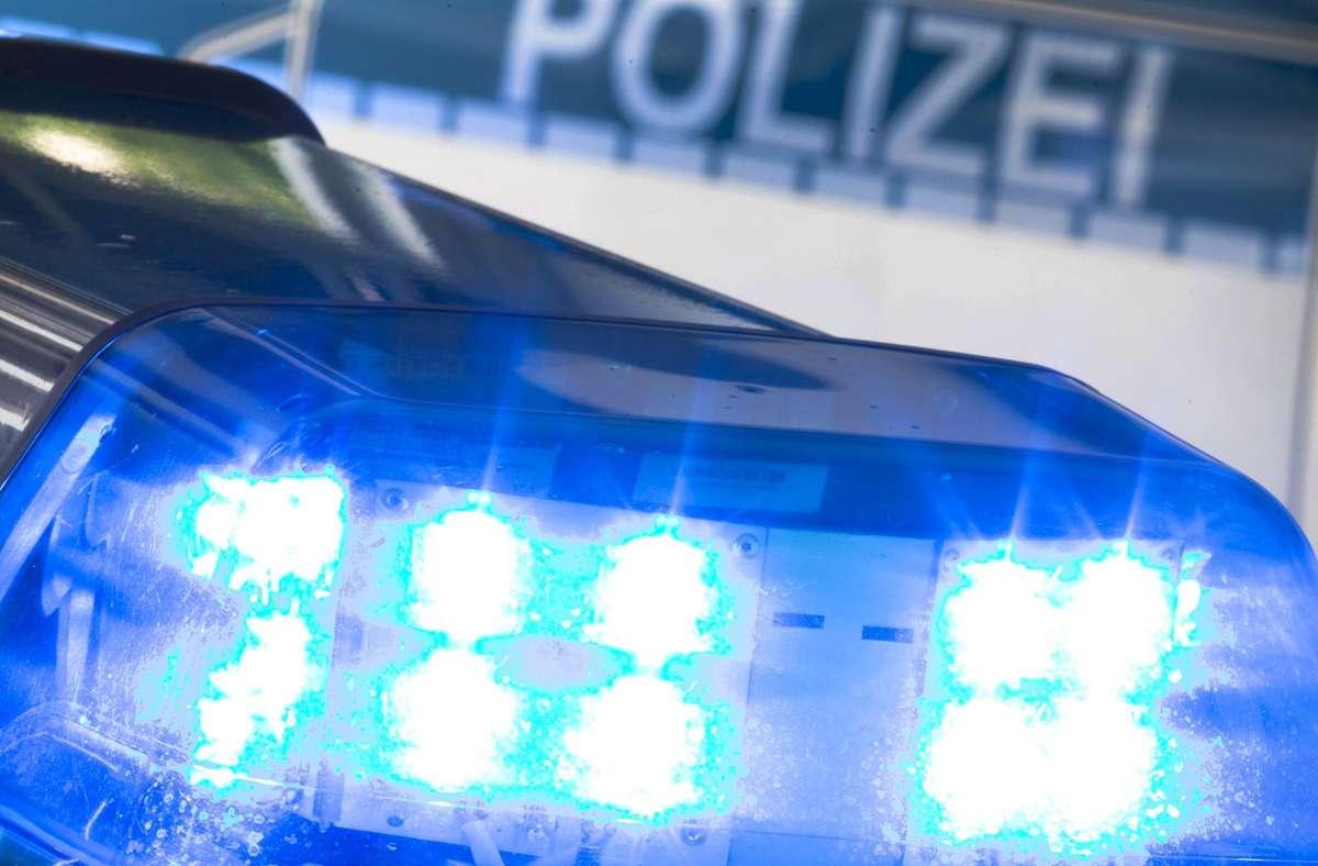 Beschimpft und getreten wurden Polizeibeamte bei ihrem Einsatz in Bietigheim-Bissingen. Foto: picture alliance/dpa/Friso Gentsch