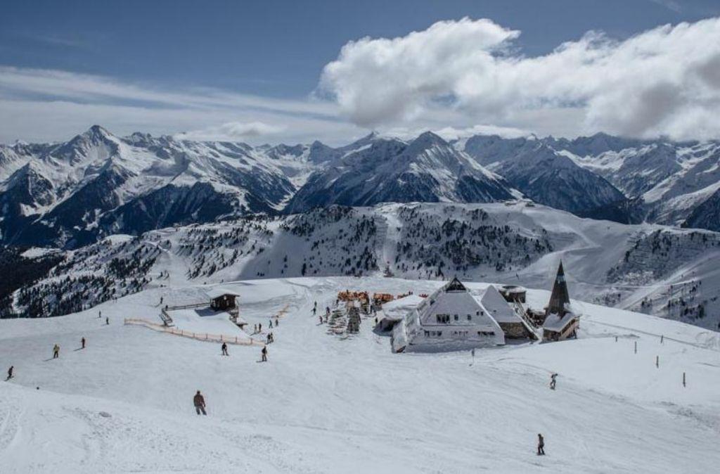 """Schneller, höher, steiler – mehr Superlative als auf der """"Höhenmeter-Fresser-Runde"""" der Mayrhofner Bergbahnen sind kaum vorstellbar. Foto: Zillertaltourismus/Thomas Straub"""