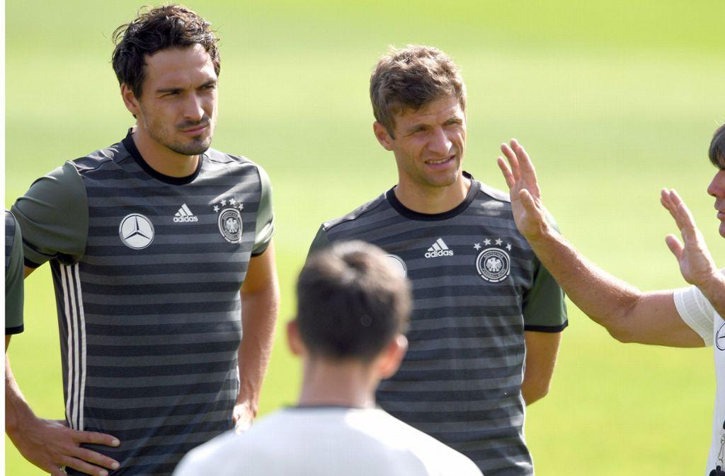 Werden Mats Hummels und Thomas Müller zwei der drei älteren Spieler in der U21-Nationalmannschaft in Tokio sein? Foto: dpa/Federico Gambarini