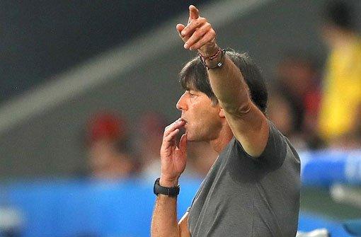 Das Netz vergibt dem Bundestrainer nichts