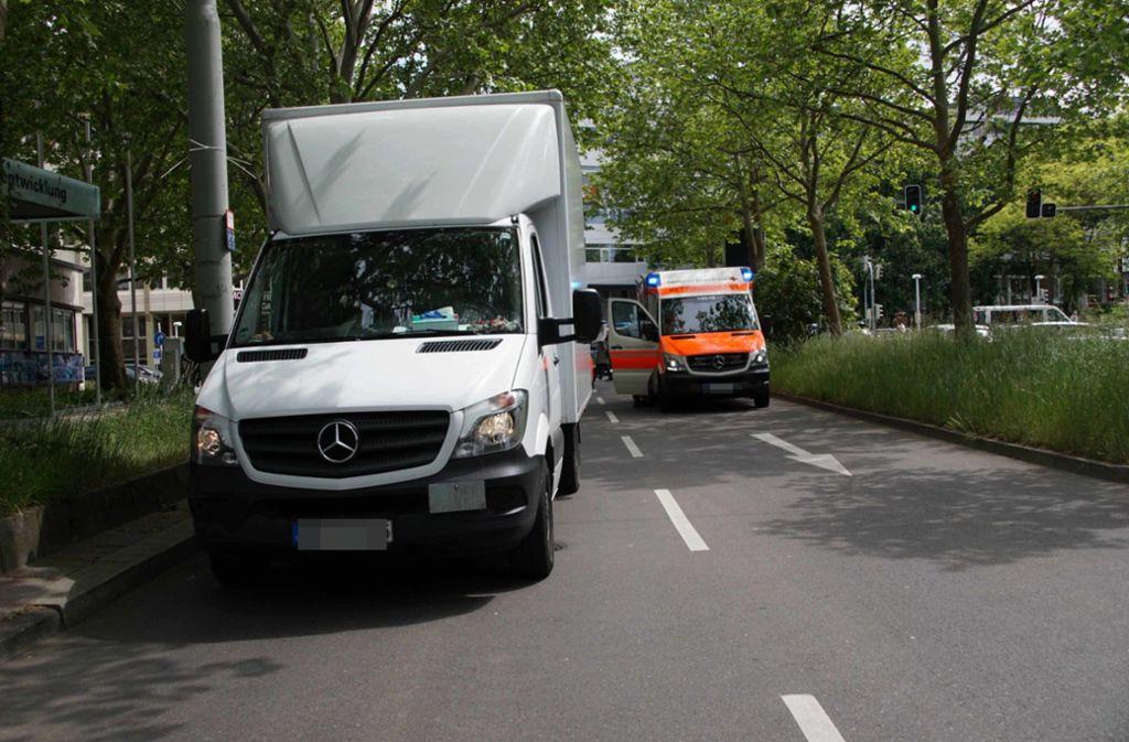 Bei einem Unfall auf der Büchsenstraße ist ein Mensch verletzt worden. Foto: 7aktuell.de/Andreas Werner
