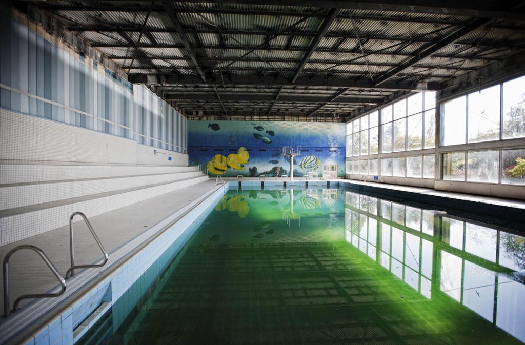 Das Cabrio-Bad in Weinstadt musste bereits geschlossen werden – nun fürchten Gemeinderäte um das Stiftsbad. Foto: Stoppel/Archiv