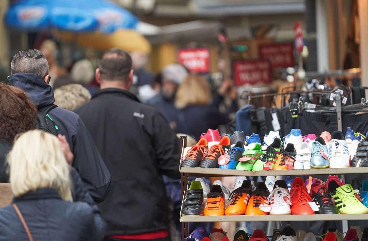 Die Deutschen shoppen wieder (Symbolbild). Foto: dpa/Thomas Frey