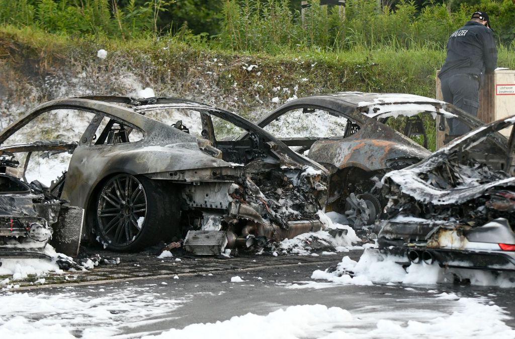 Im Hamburger Porschezentrum ist am Mittwoch ein Feuer ausgebrochen. Foto: dpa