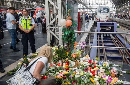 Gerichtsprozess wegen   tödlicher Gleis-Attacke beginnt im August