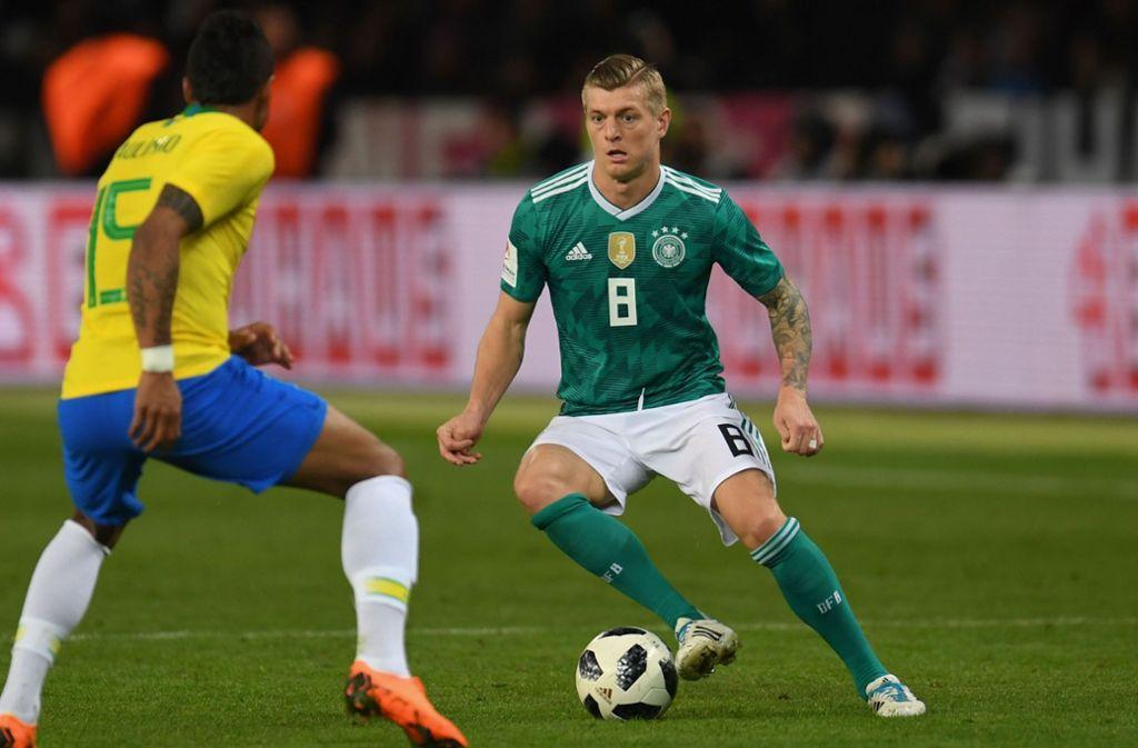 Nationalspieler Toni Kroos ist sauer über das Auftreten einiger Kollegen. Foto: AFP