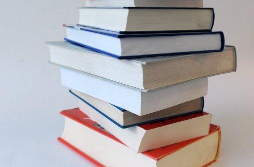 Die Bürger leihen sich gerne Werke in der Bücherzelle aus. Foto: dpa-Zentralbild