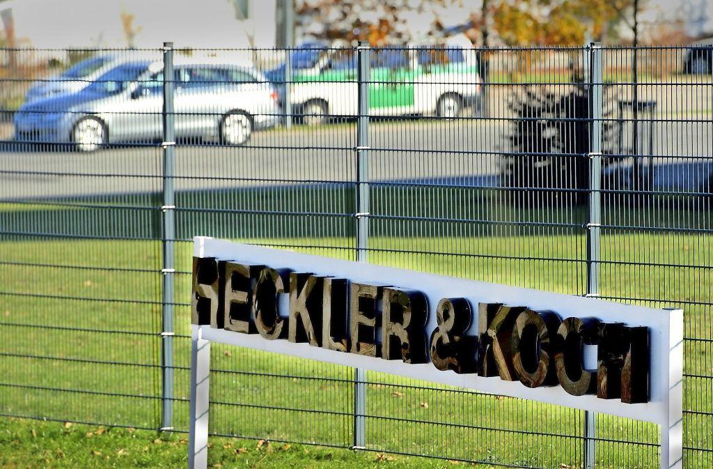 Razzia bei Heckler & Koch im Jahr 2011 – zum Prozess kommt es nicht vor 2018. Foto: dpa