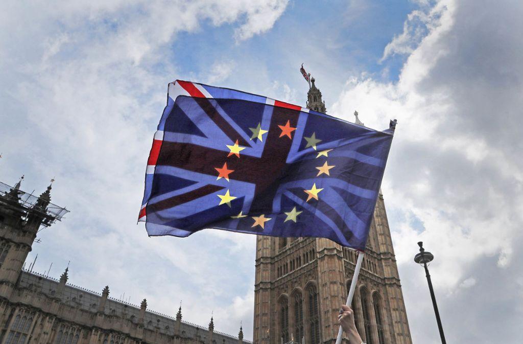 Big Ben, der Glockenturm über dem Parlament, wird am Freitagabend nicht läuten. Er wird derzeit renoviert. Foto: AP/Frank Augstein